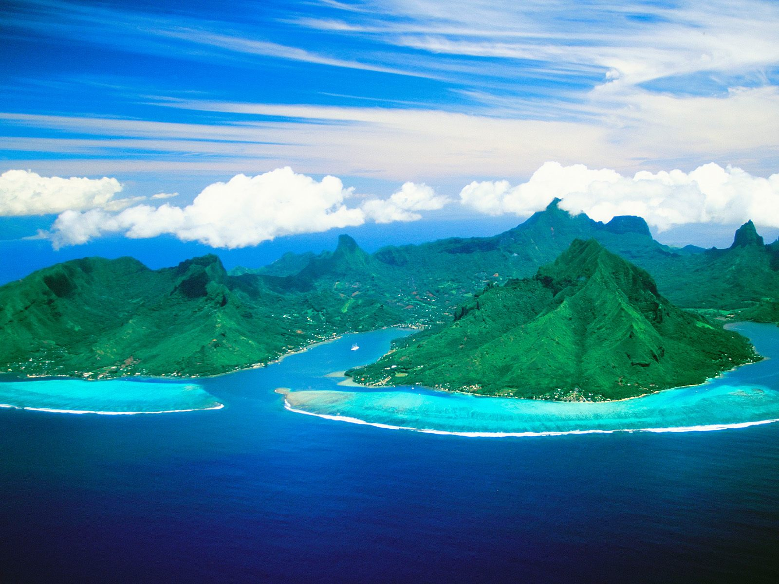 Cook_s_Bay_and_Opunohu_Bay_Moorea_Island_French_Polynesia.jpg