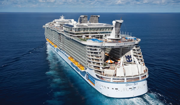 Oasis_of_The_Seas___Exterior_View.jpg
